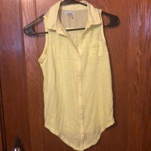 Girls sleeveless shirt